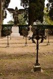 Железные кресты в воинском кладбище стоковые изображения rf