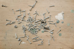 Железные ногти на деревянной предпосылке Стоковая Фотография RF