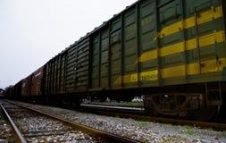 Железные дороги которые вышедший из употребления в маленьком городе Стоковое Изображение