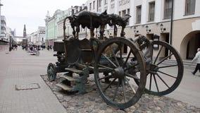 Железный brougham в центральной площади города Казани акции видеоматериалы