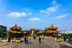 Желтая башня крана в Ухань Стоковое Фото