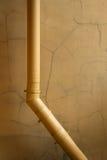 Желтая водосточная труба Стоковая Фотография RF