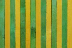 Желтая и зеленая деревянная предпосылка Стоковое фото RF