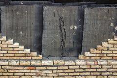 Желтая предпосылка стены изоляции кирпича Стоковая Фотография