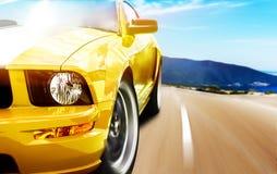 Желтая спортивная машина Стоковое Изображение RF