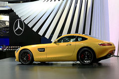 Желтая спортивная машина Benz Мерседес Стоковая Фотография RF