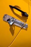 Желтая padlocked автомобильная дверь Стоковые Фото