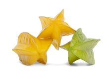 3 желтое и зеленые карамболы Сладостные и здоровые карамболы на белой предпосылке Вкусные десерты плодоовощ для Стоковое Изображение