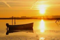 Желтое море на заходе солнца настолько симпатичном Стоковые Изображения
