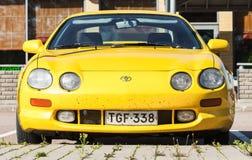 Желтое liftback T200 Toyota Celica GT подтяжки лица Стоковые Фотографии RF