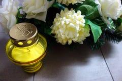 Желтые доносчик и венок Стоковая Фотография RF