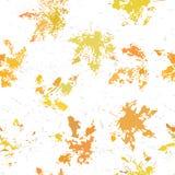 Желтые оранжевые кленовые листы отпечатывают безшовную картину на белой предпосылке Стоковое Фото