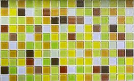 Желтые стеклянные плитки как предпосылка стоковая фотография