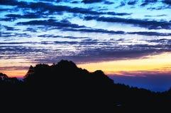 Желтый восход солнца Китая горы стоковое фото rf