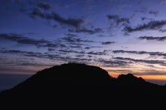 Желтый восход солнца Китая горы стоковая фотография