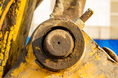 желтый затяжелитель backhoe на строительной площадке и работе стоковые фотографии rf