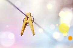 Желтый колышек одежд на моя линии Стоковые Изображения