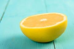 Желтый кусок грейпфрута Стоковые Изображения