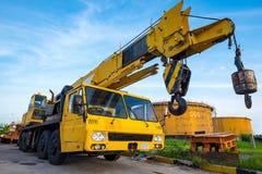 Желтый передвижной кран Стоковая Фотография
