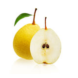 Желтый плодоовощ и одно груши отрезали в половине изолированной на белой предпосылке Стоковое Фото