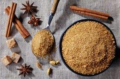 Желтый сахарный песок и специи Стоковые Фото