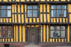 Желтый средневековый дом, Великобритания Стоковая Фотография RF