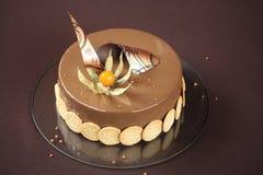 Желтый торт Entremet сливы и фундука Стоковые Изображения RF