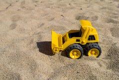 Желтый трактор Стоковые Изображения