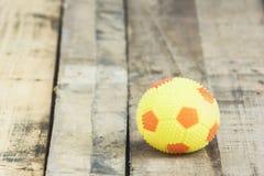 Желтый футбол Стоковые Фотографии RF