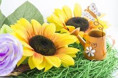 желтый цвет весны лужка одуванчиков предпосылки полный Стоковое фото RF