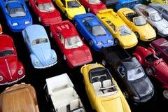 желтый цвет игрушки таксомотора автомобилей шины Стоковые Изображения RF