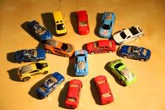 желтый цвет игрушки таксомотора автомобилей шины Стоковые Изображения