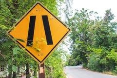 Желтый цвет и чернота ярлыка предупредительного знака Стоковое Изображение
