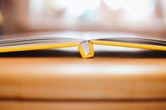 желтый цвет книги Стоковое Фото