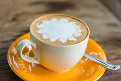 желтый цвет кофейной чашки Стоковое Фото