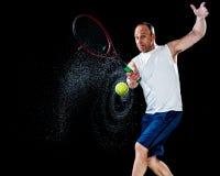 желтый цвет тенниса неба ракетки конкуренции шарика действия голубой стоковое фото rf