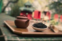 Желтый чай от Hui, который нужно служить Стоковая Фотография RF