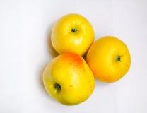 3 желтых зрелых яблока Стоковое Изображение RF