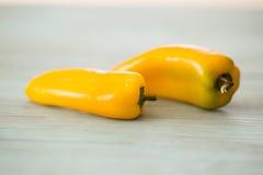 2 желтых мини сладостных болгарского перца Стоковая Фотография RF