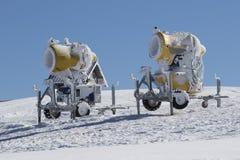 2 желтых оружия снега Стоковые Изображения
