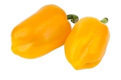 2 желтых сладостных перца изолированного на белизне Стоковые Фото