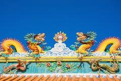 Живая статуя дракона в китайском виске Стоковое Фото