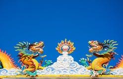 Живая статуя дракона в китайском виске Стоковая Фотография