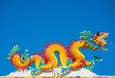Живая статуя дракона в китайском виске Стоковые Фотографии RF