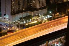 Живое scape города и большое место на ночная жизнь в этом времени e Стоковые Изображения RF