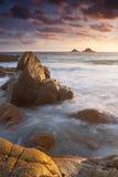 Живой заход солнца Корнуолл Англия пляжа стоковое фото rf