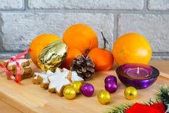 Живой натюрморт с апельсинами, звезда рождества Стоковая Фотография RF