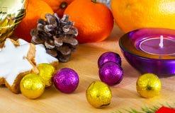 Живой натюрморт с апельсинами, звезда рождества Стоковые Изображения RF