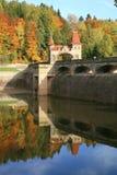 Живописная осень. Запруда Les Kralovstvi в Bila Tremesna, чехии Стоковые Изображения