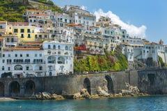 Живописный ландшафт Амальфи, залив Salerno, Италии стоковые изображения rf